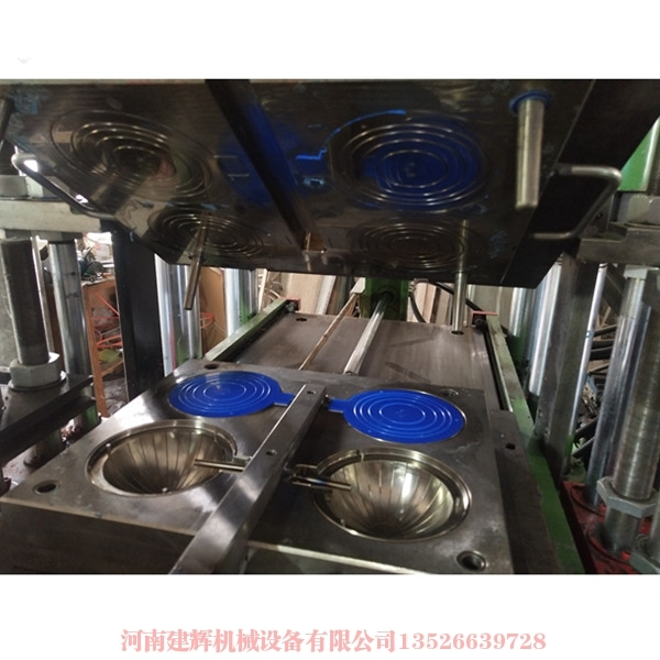郑州橡胶模具厂家来讲述硅胶材料